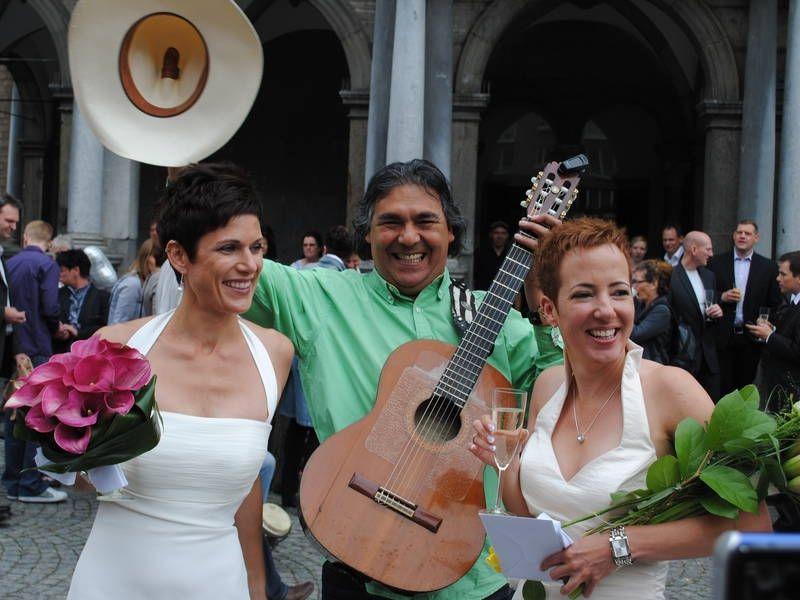 Gonzalez  -  Musica Latina