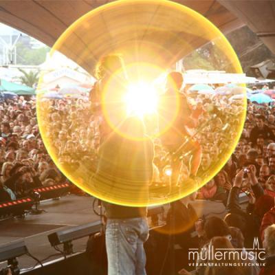Bühne Liveevents sind eine unsere Spezialitäten. Egal ob Open-Air oder Indoor – gerne rocken wir Ihre Show. Weitere Infos finden Sie auf www.muellermusic.com