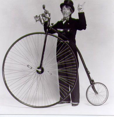 Fahren wie anno dazumal Hochradfahrer für Sie im Einsatz.