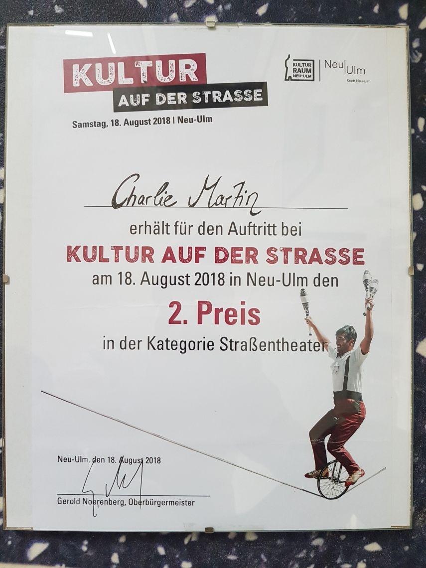 2ter Platz , Strassentheater. Vom 18.8.108 in Neu Ulm