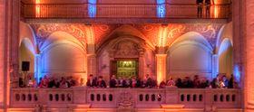 Lichttechnik Wir setzen Ihre Veranstaltung ins richtige Licht. Von klassischer Bühnenausleuchtung über bewegtes Licht für Show und Tanzfläche bis zur Architekturausleuchtung können wir Ihnen Konzeption und Technik liefern. Dabei arbeiten wir mit professioneller Lichttechnik von ARRI, ETC, MA Lighting und Studio Due.