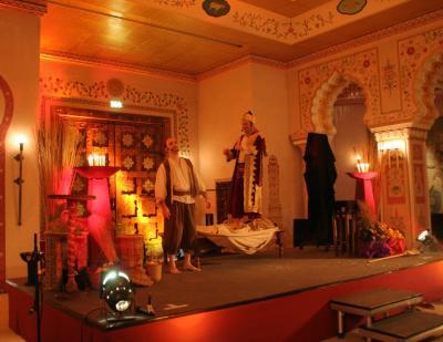 Orient-Zauberei Aladin besaß die berühmte, magische Wunderlampe zuerst, nun gehört sie zu unserem Fundus.