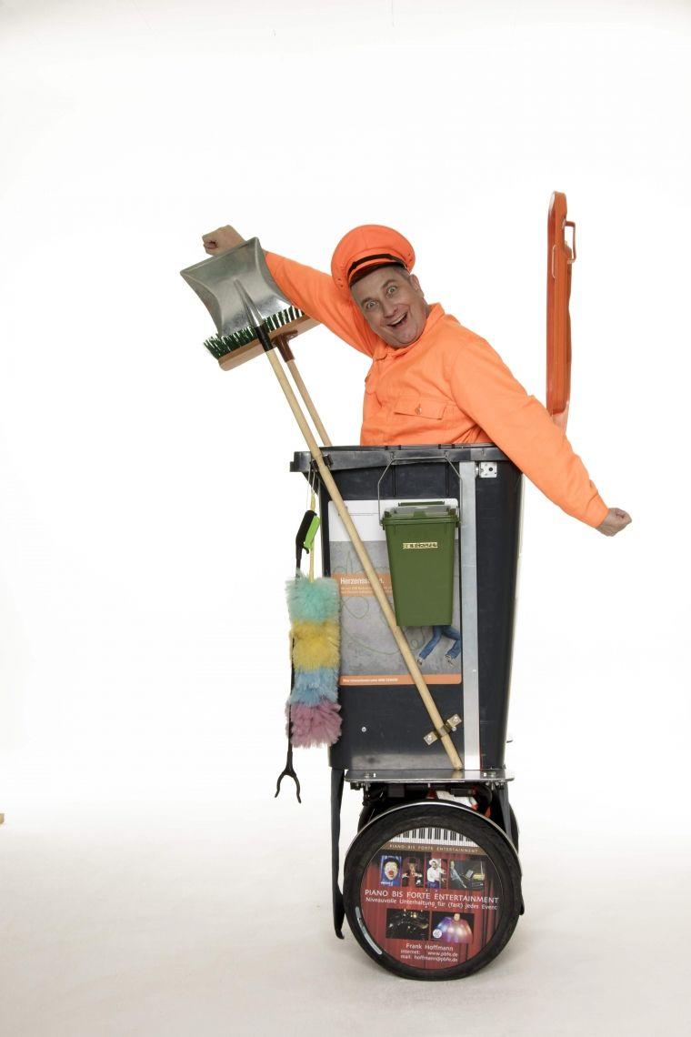 """Manni Müllmann in der schnellen Tonne - ROLL-ACT / WALK-ACT Ein sympathischer """"Ruhri"""" in der schnellsten Tonne der Welt!"""