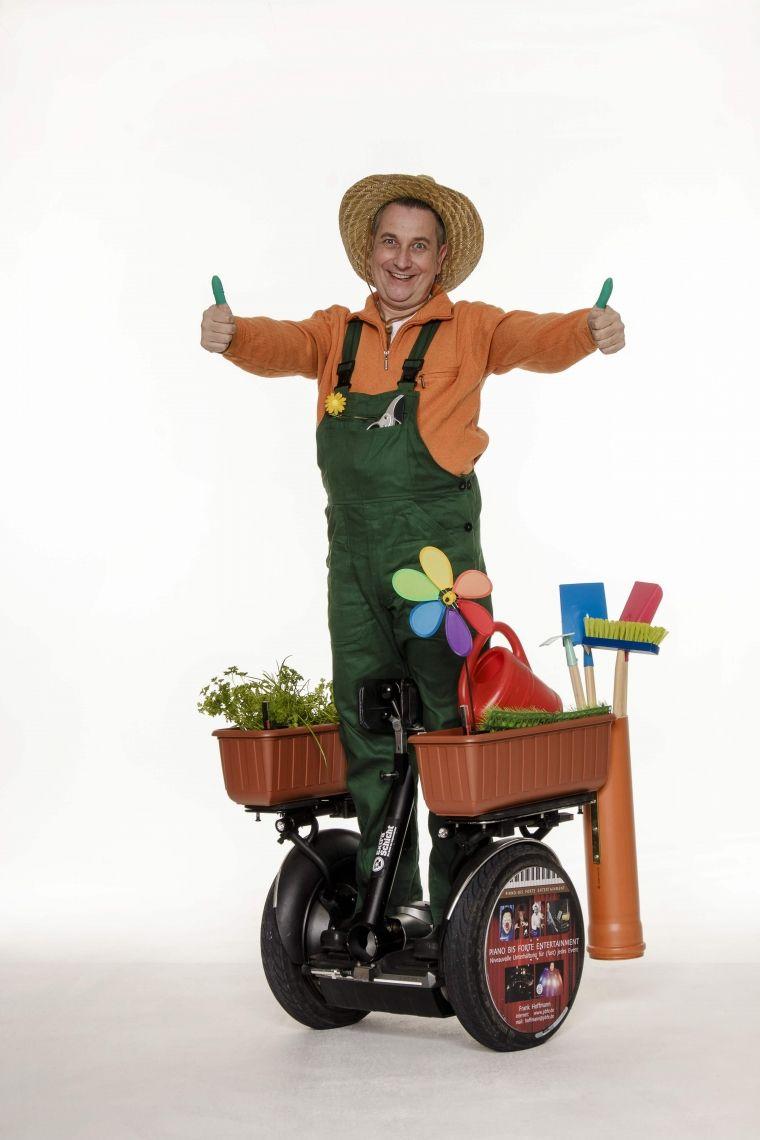 Gustav der schnelle Gärtner - ROLL-ACT 2 grüne Daumen an 2 linken Händen ...