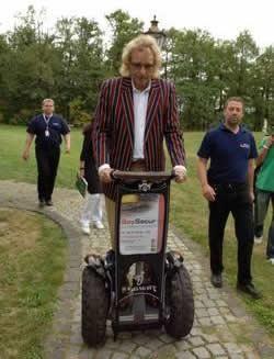 Thomas Gottschalk - Haribo Golfevent Die Securitas Sport & Event GmbH bietet Ihnen neben maßgeschneiderten Sicherheitskonzeptionen auch hochwertige Einsatzmittel für Ihren speziellen Bedarf an!