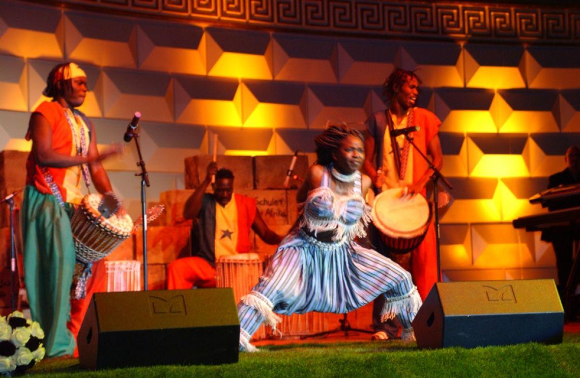 AFROJNAT  Afrikanische Bühnenshow live Kurhaus Wiesbaden