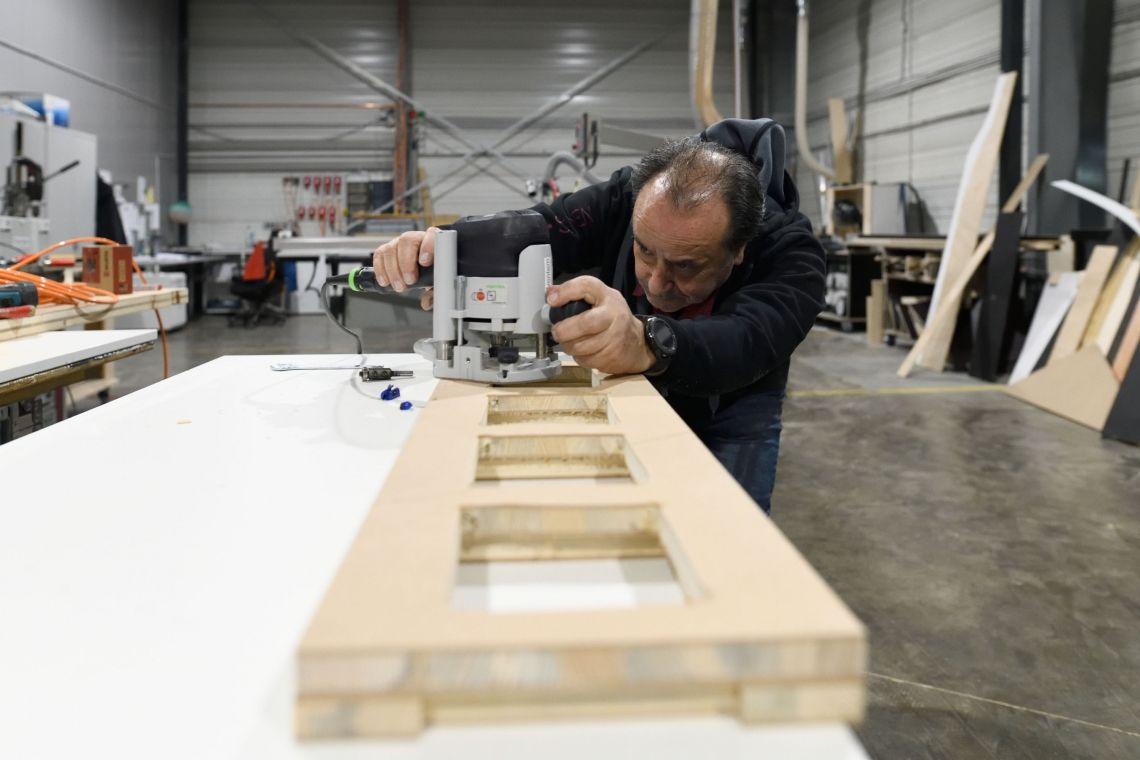 Schreinerei In unseren Werkstätten entstehen mit viel Leidenschaft maßgeschreinerte Lösungen für unsere Kunden.