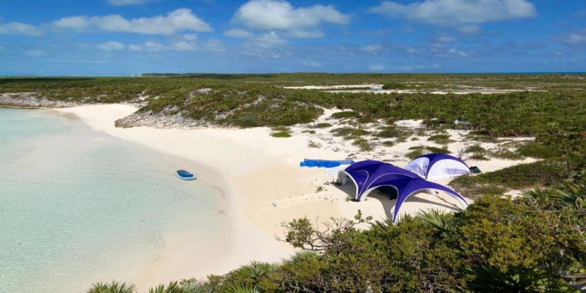 X GLOO shaping air Tent on the beach Das X GLOO Eventzelt  - für jedes Terrain geeignet
