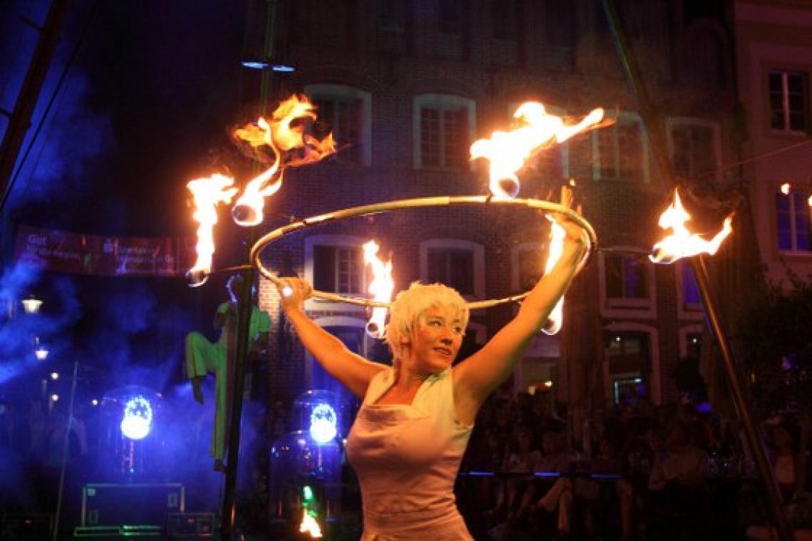 Feuer Hula Hoop