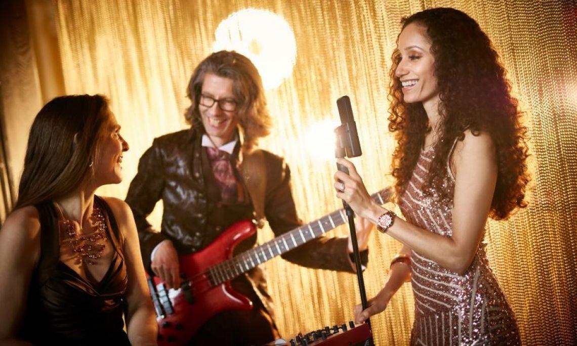 Galaband Coolanova Lounge-Musik vom Feinsten, Partymusik mit House-Klassikern und modernen Popsongs.