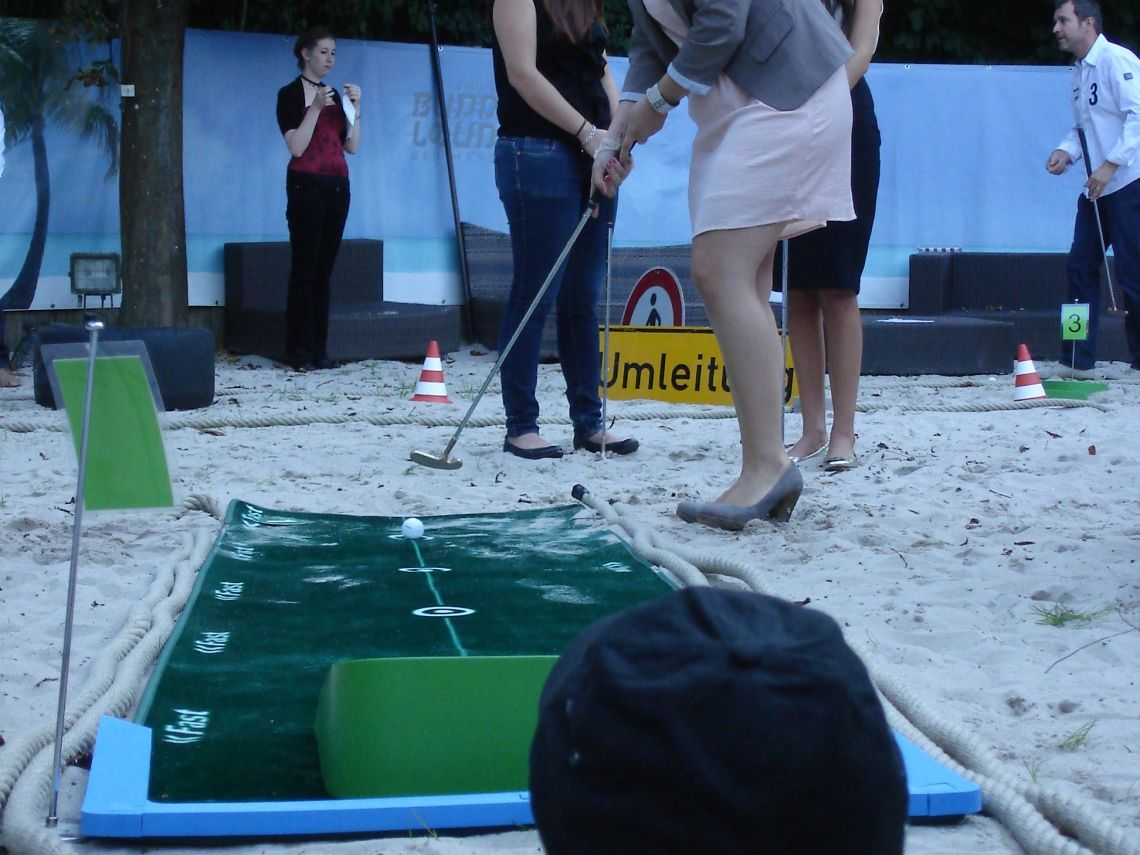 Fun Golf in der Beach Bar