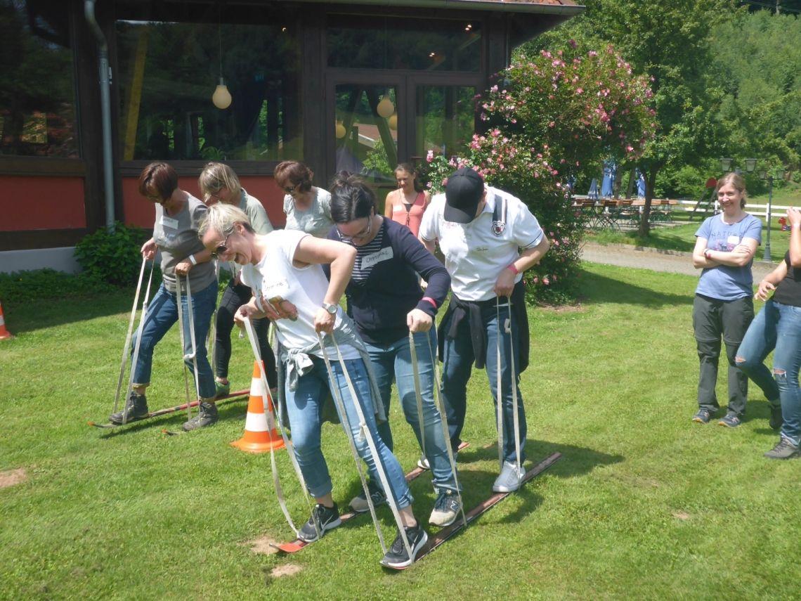 Team-Ski - Funktioniert am besten, wenn alle im Takt sind :-)