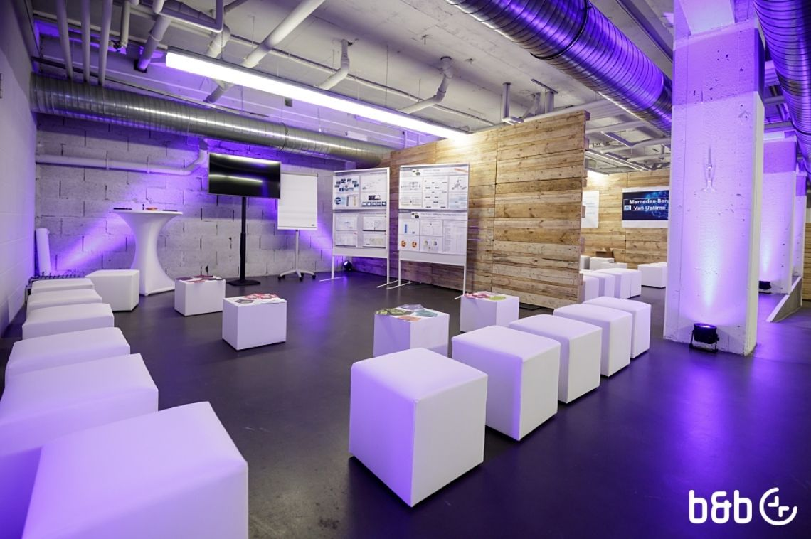 Workshopräume aus Palettenwänden