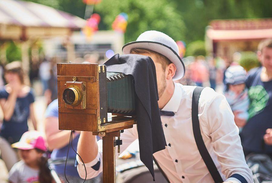 Eventfotografie für Ihr Firmenjubiläum Mit  ROYAL PHOTO SERVICE steht Ihnen als Veranstalter eine einzigartige Event-Fotoaktion zur Verfügung, die ihresgleichen sucht!