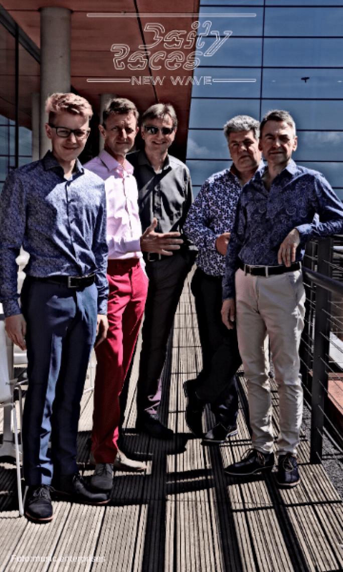 Grab something Good: Daily Races - die New Wave Band Daily Races spielen Songs von a-ha, Depeche Mode, Duran Duran, Eurythmics, Soft Cell... Sie fokussieren ihr Programm auf britischen New Wave der 1980er Jahre.