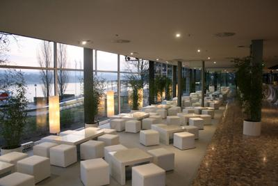 Lounge Lounge