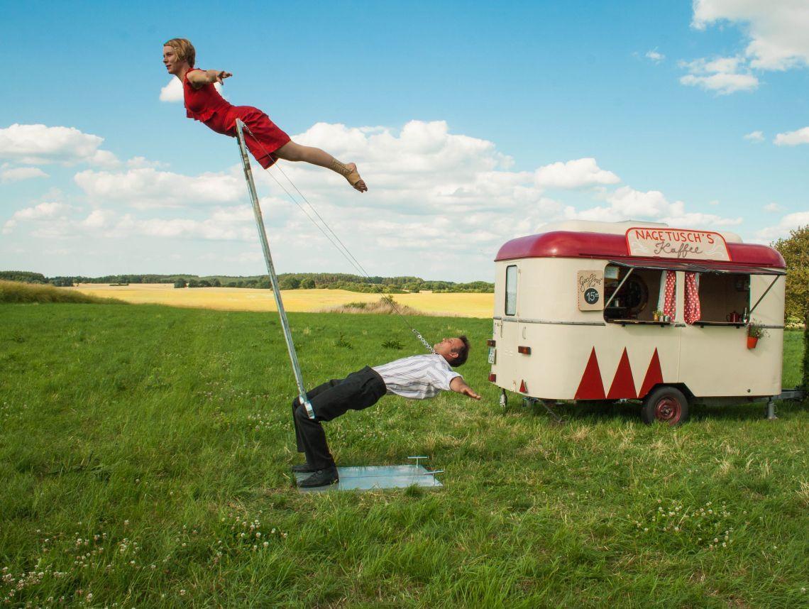 Nagetusch - Ein Cafewagen macht Circus_3 Circustheater rund um einen nostalischen Cafewagen, Open Air, ca 35 min