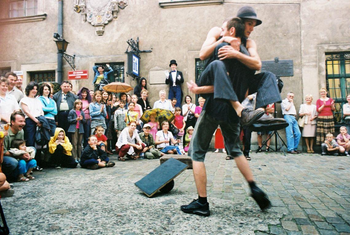 minimal circus Straßenshow, 20-40 min