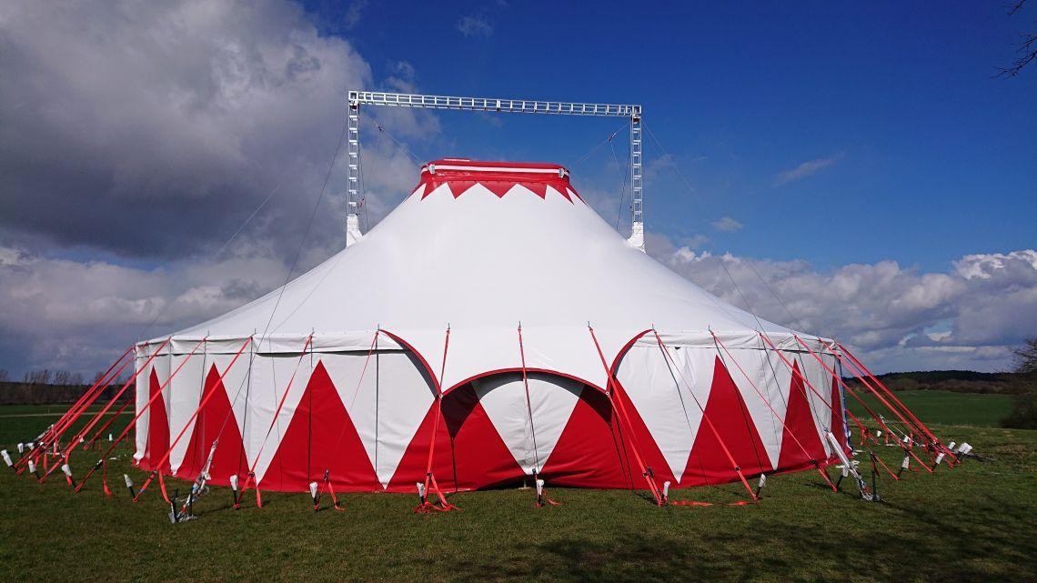 Circuszelt 24m mit oder ohne Show