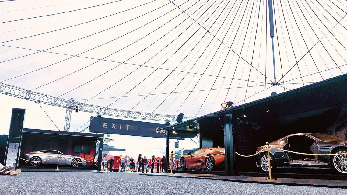 Skyliner sl32 - Bond In Motion - Mailand