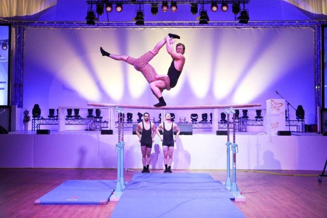 Team Supreme - Turnvater Jahn reloaded - Comedy Akrobatik