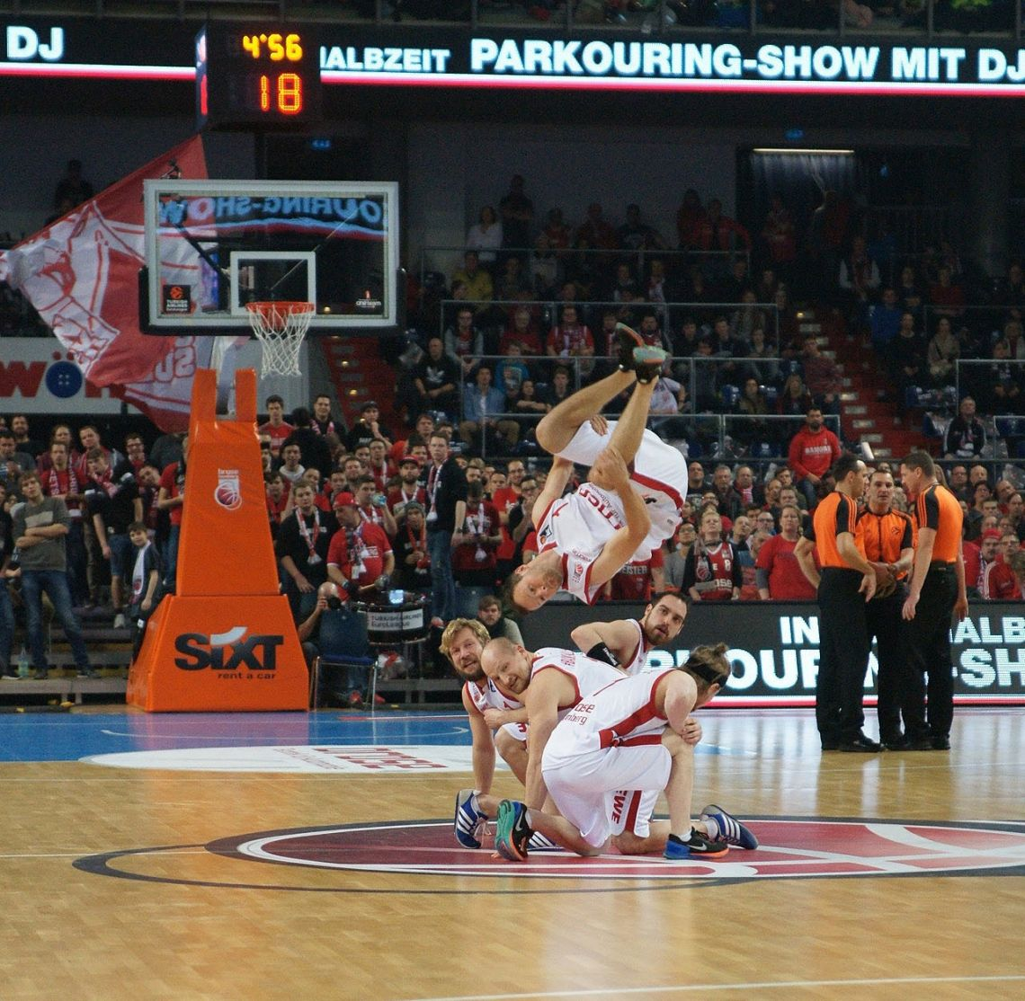 Team Supreme - Parkour meets Basketball - Acrobatic Sport Show