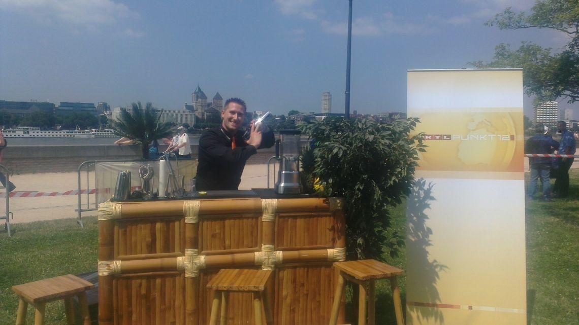 Markus Kern - bekannt aus Funk & Fernsehen mixt auch für Sie edelste Cocktailkreationen auf Ihrer nächsten Veranstaltung oder Messe