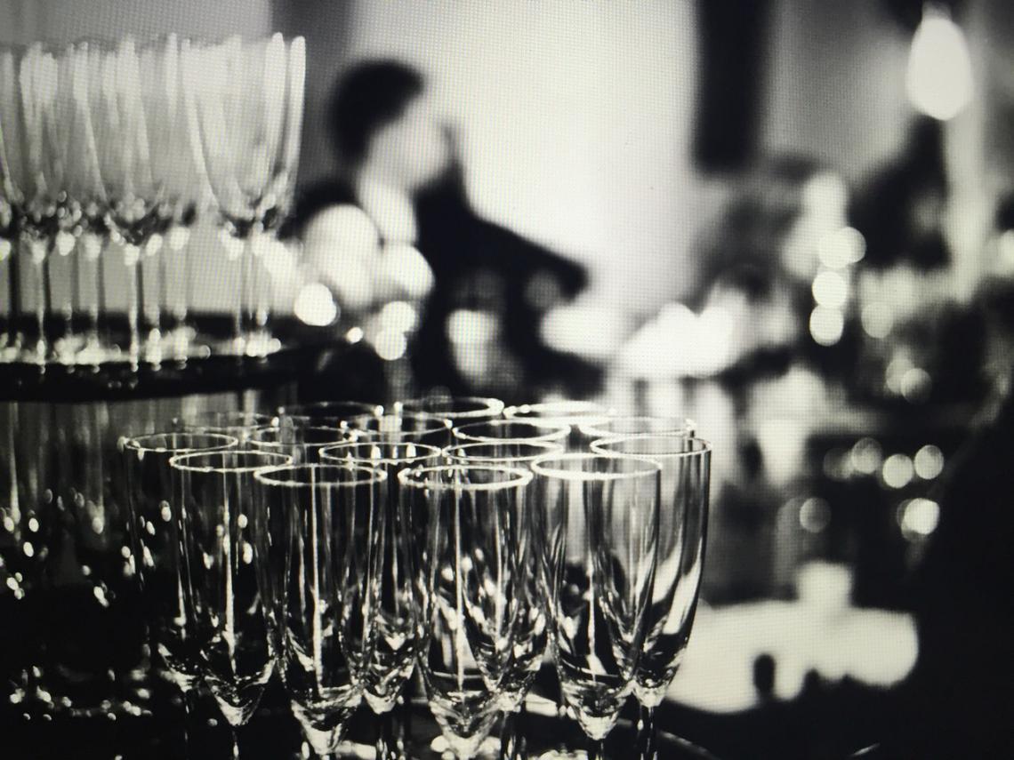 Welcome-Drinks für Ihre Events IN-LIVE Cocktailservice - Ihr Premium-Partner für flüssige Köstlichkeiten!