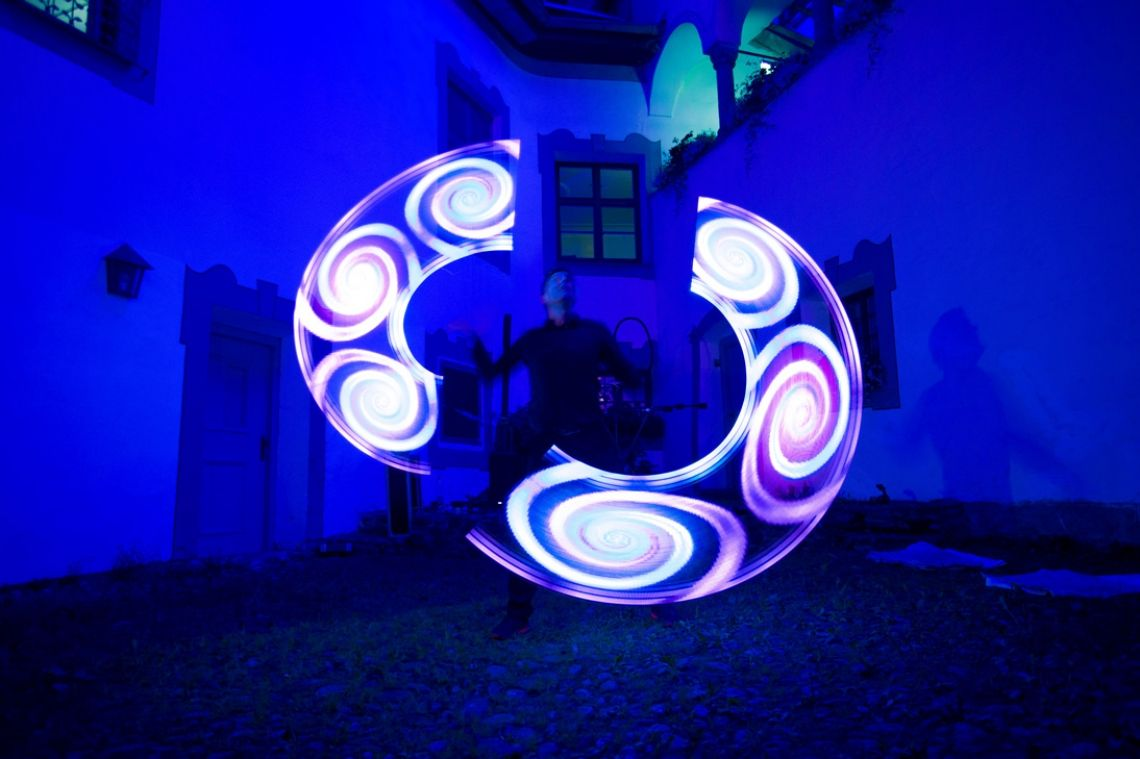 "LED-Show - ""visual Pois"""