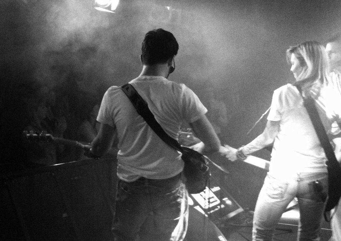 Battle of Bands Abschluss-Performance Nach der Probenphase geht es für die einzelnen Bands auf die Bühne zum Battle of Bands. Zeigen Sie Ihren Kollegen, dass Sie in kürzester Zeit zu echten Rock Stars geworden sind!