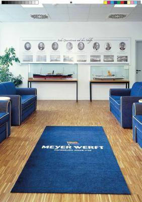 Teppich mit Logo Hochwertiger Teppich individuell bedruckt mit einem Firmenlogo