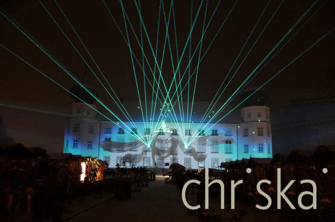 Sand-Animation mit Video und Laser Mapping, Show Fassaden-zauber Schloss Tüßling.