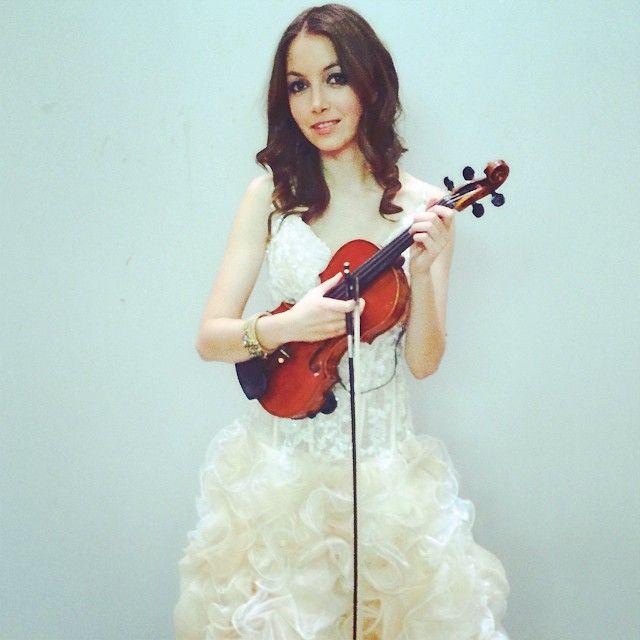 Violinisitin von Klassik bis Charts Beatrix Löw-Beer deutsche Klassikpopviolinistin a la david Garrett, Vanessa Mae und Lindsey Stirling