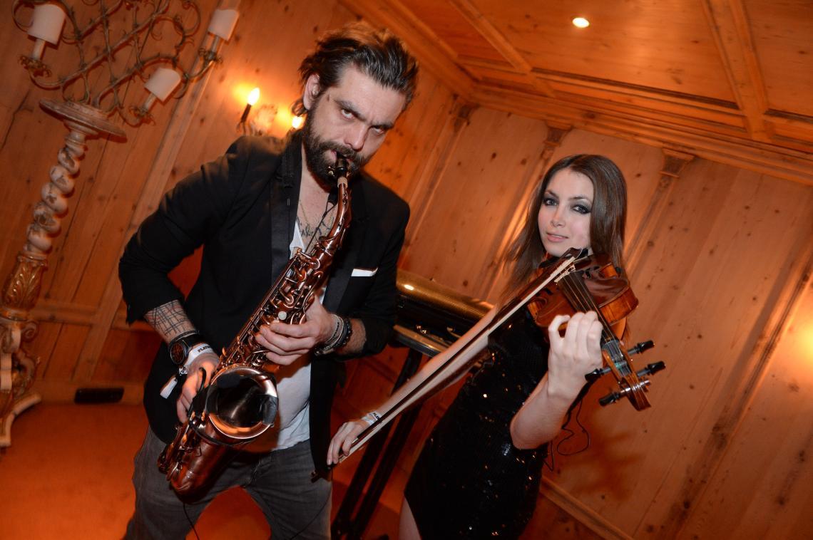 Violin and Sax Show Act Violine, Gesang, Saxophon, DJ live Konzepte für alle Arten von Events von der Gala, Fashion Show, Launchevent, Storeopening, Awardverleihung, Jubiläum, Sommerfest, Weihnachtsfeier bis zur After Party.