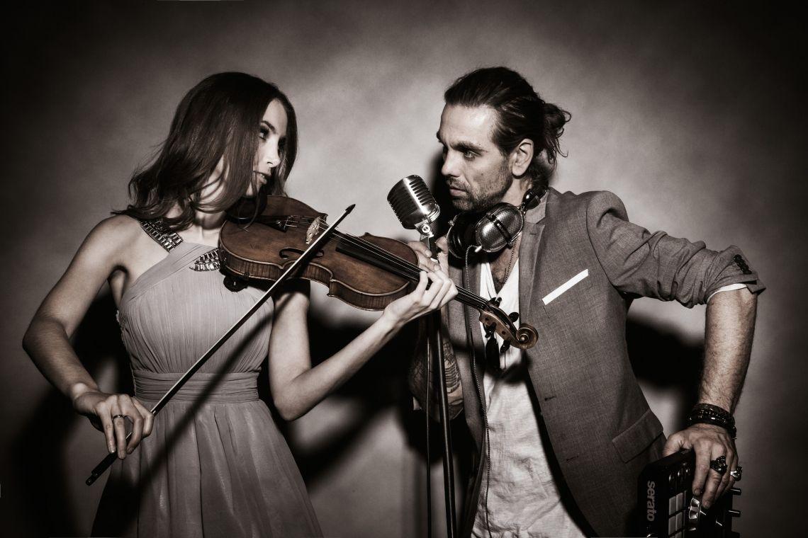 DJ plus Violine, Gesang und Saxophon Live Show Acts