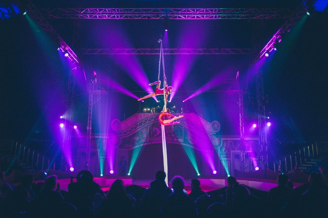 Duo Vertikaltuch Christmas Circus Wiesbaden 2016