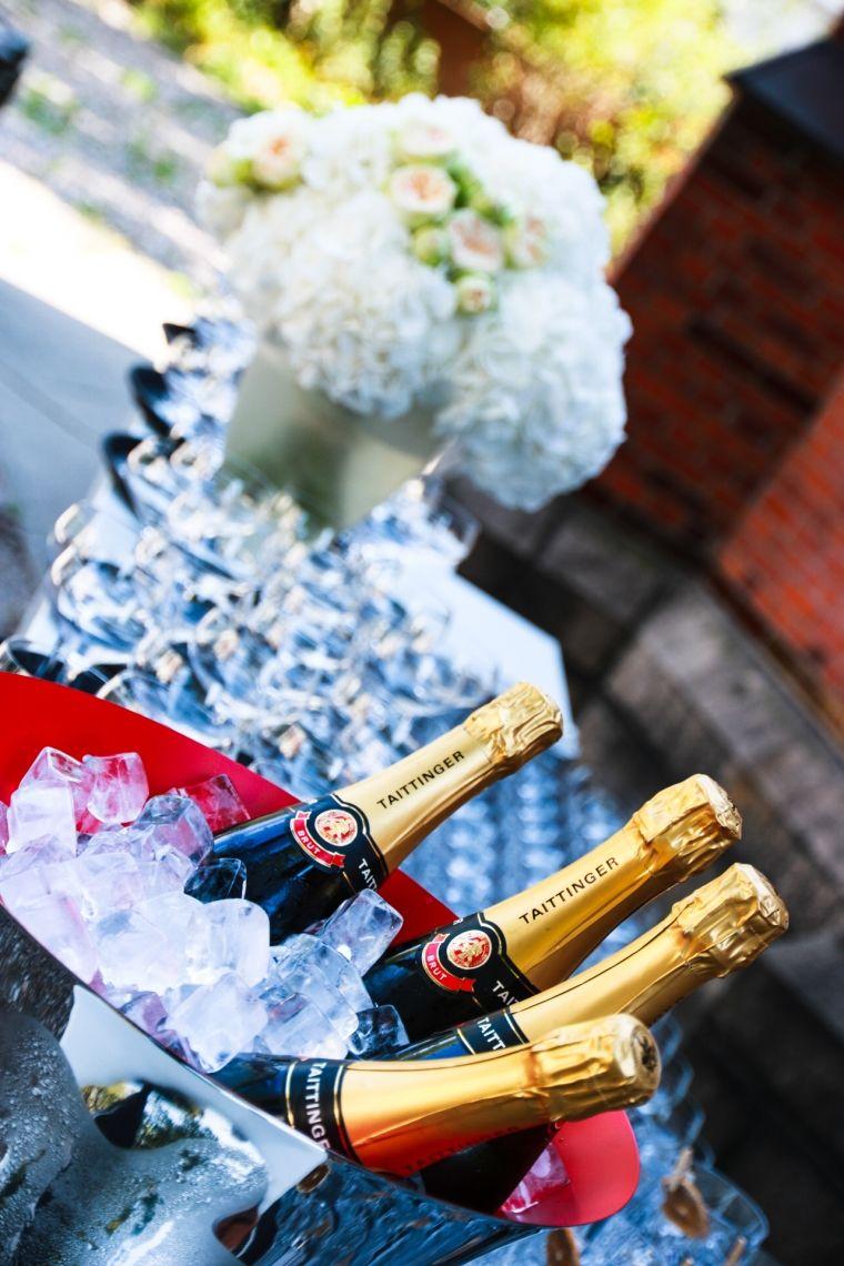 Prickelnder Champagner Empfang für 180 Gäste.