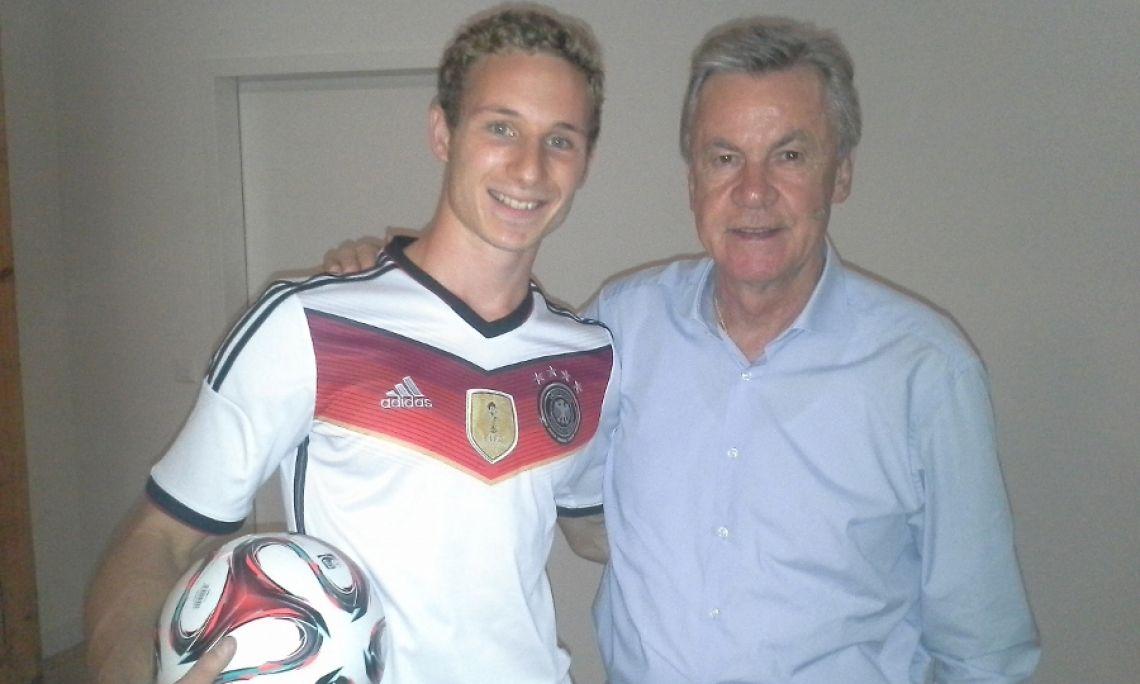 Ottmar Hitzfeld Mit der Trainer-Legende Ottmar Hitzfeld Backstage in der Schweiz