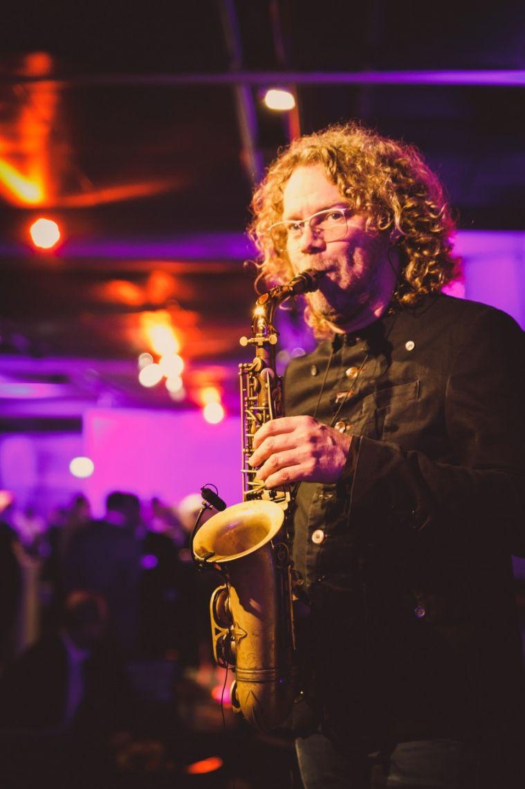 Flughafen Düsseldorf 2018  Reiner Witzel - Saxophonist und Leiter der renommierten Jazz Rally Düsseldorf