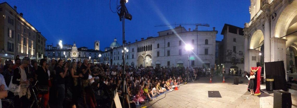 Street Theatre show