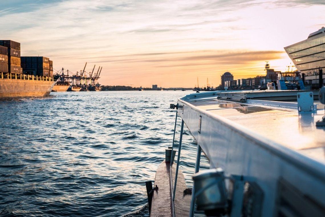 Impression von Charterfahrt Fahrt in den Sonnenuntergang.