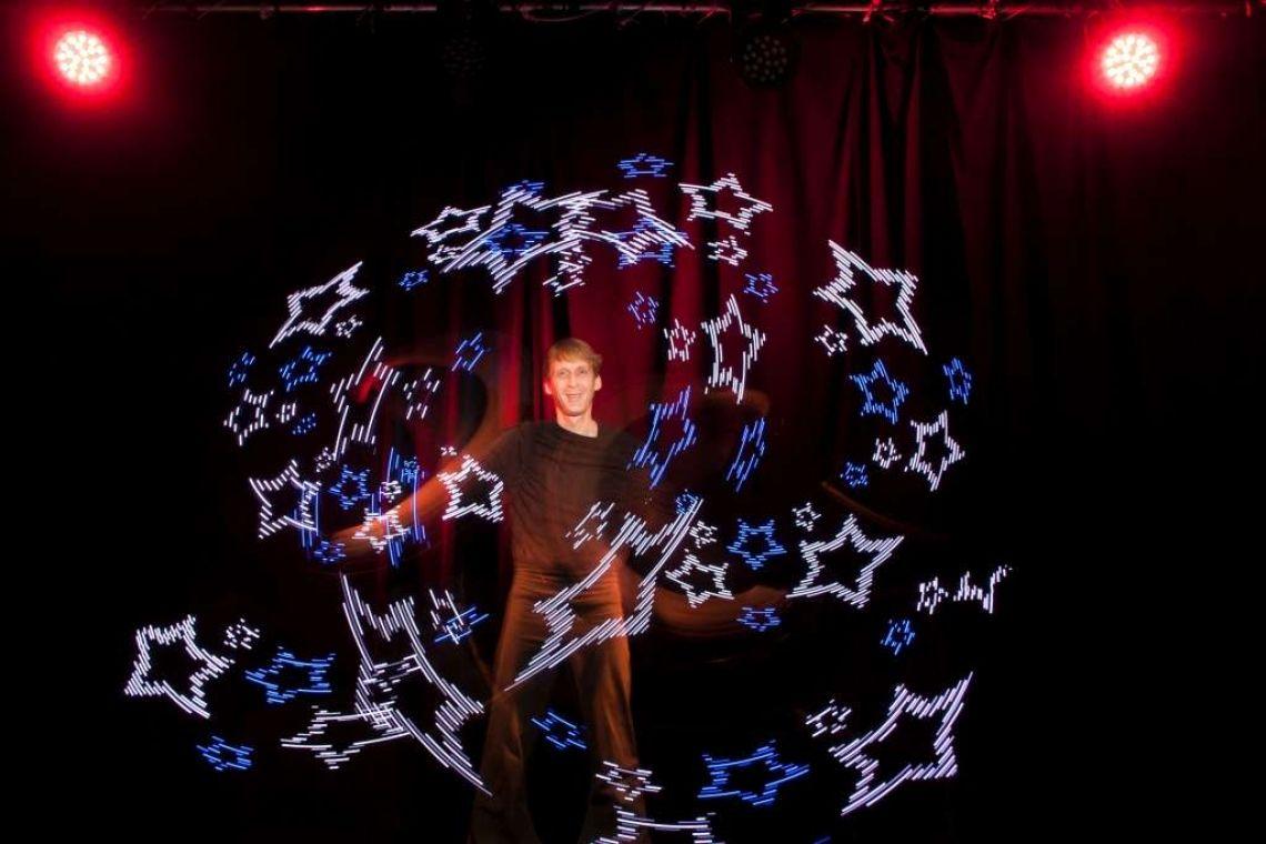 Licht- und Feuershow - Visual Pois