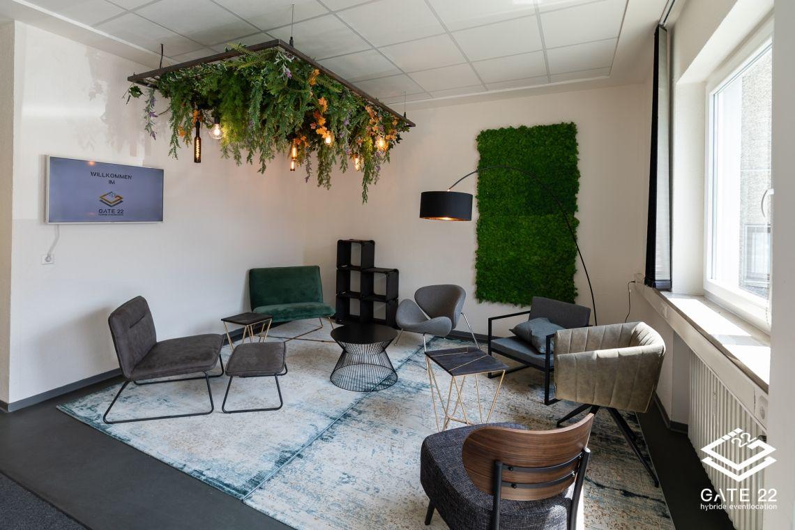 Lounge im Eingangsbereich