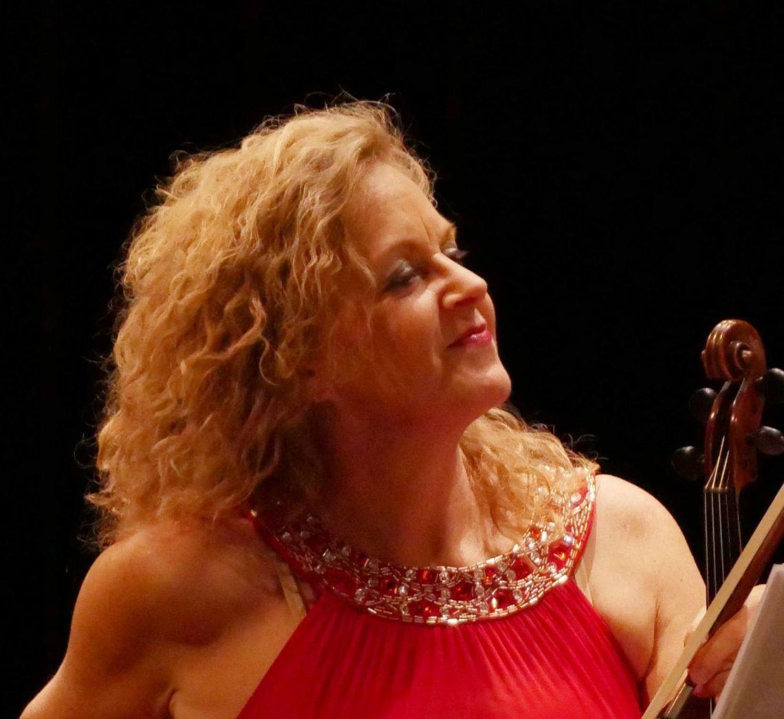 Petra-Manon Hirzel, Bandleaderin Petra-Manon Hirzel, Geige Stuttgart