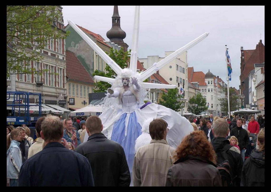 Stelzen Tanz Theater - Leonhard