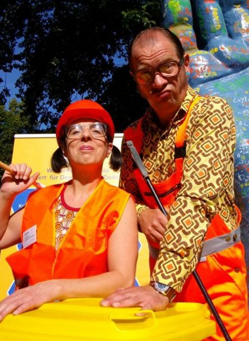 Straßenfeger-Duo Als Straßenfeger sorgen Ilse und Willi bei Open-Air-Veranstaltungen aller Art auf humorvolle Art und Weise für Sauberkeit.