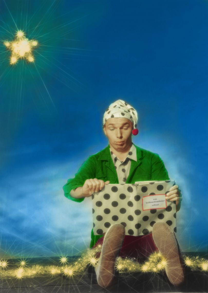 Die Geschichte vom Weihnachtszwerg Eine turbulentes und fröhliches Programm für Kinder und deren Familien. Mit vorweihnachtlicher Clownerie, Jonglage, Zauberei und Einradartistik.