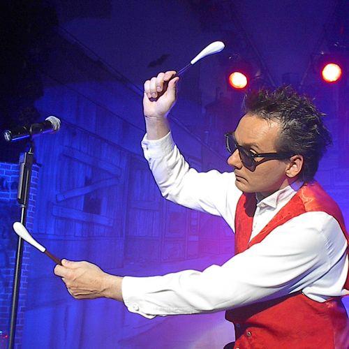 Dirk Scheffel comedy · action · music · show