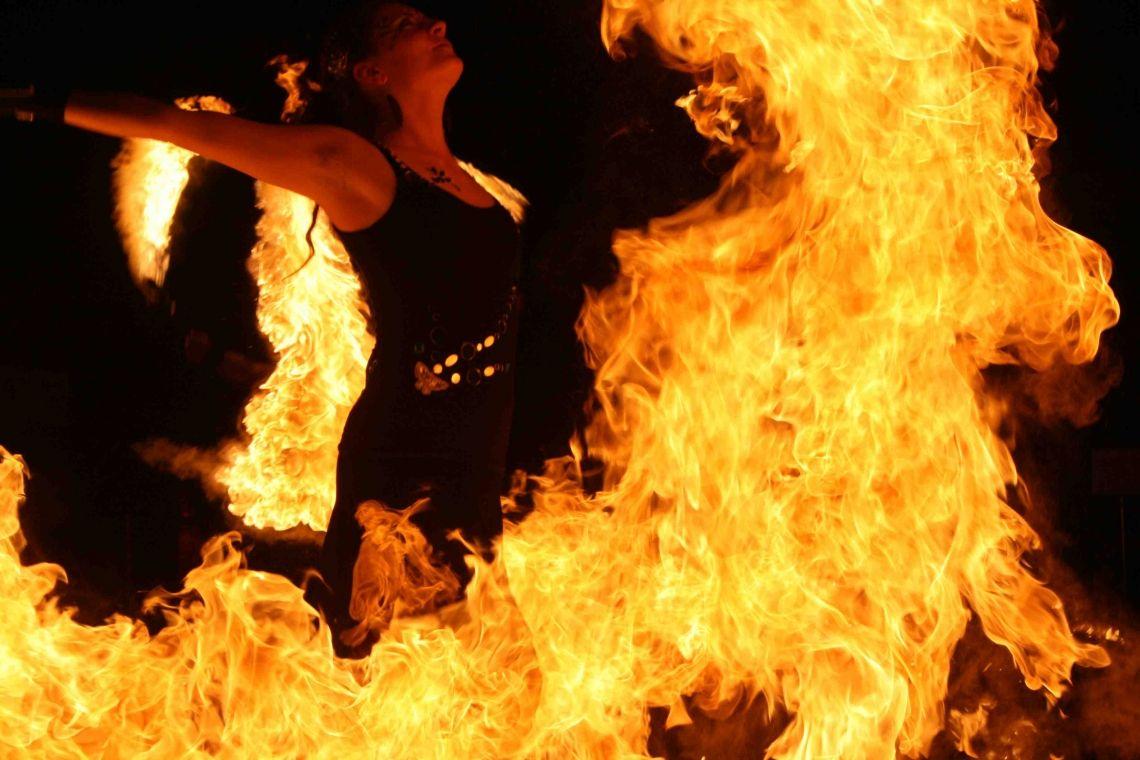 Feuer Ein Funke springt über!