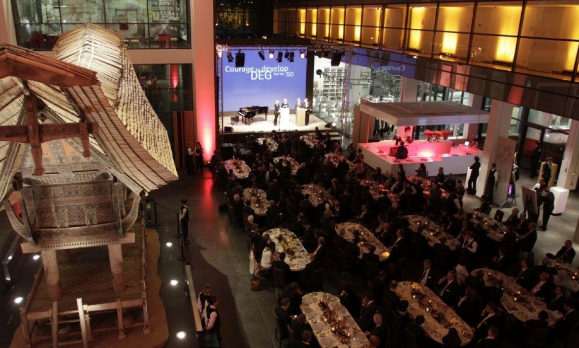 Jubiläumsgala in Köln mit mSa mSa eventmarketing unterstützt seit 23 Jahren das Veranstaltungsmanagement zahlreicher Kunden und hat sich zu einem Spezialisten in Sachen Jubiläumsfeiern entwickelt.